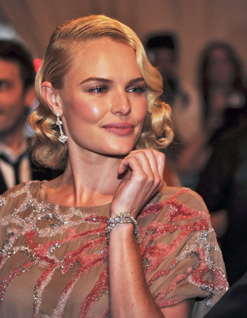 "Kate Bosworth in Valentino was the picture of elegance in ""Tess"" diamond earrings set in platinum and the 1967 Estate ""Natte"" diamond bracelet set in platinum"