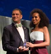 Lehman College President Jos� Luis Cruz and honoree Kerry Washington