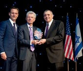 Tony Goldwyn presents the Legacy Award to Meyer Gottlieb, with American Society for Yad Vashem chairman Leonard A. Wilf